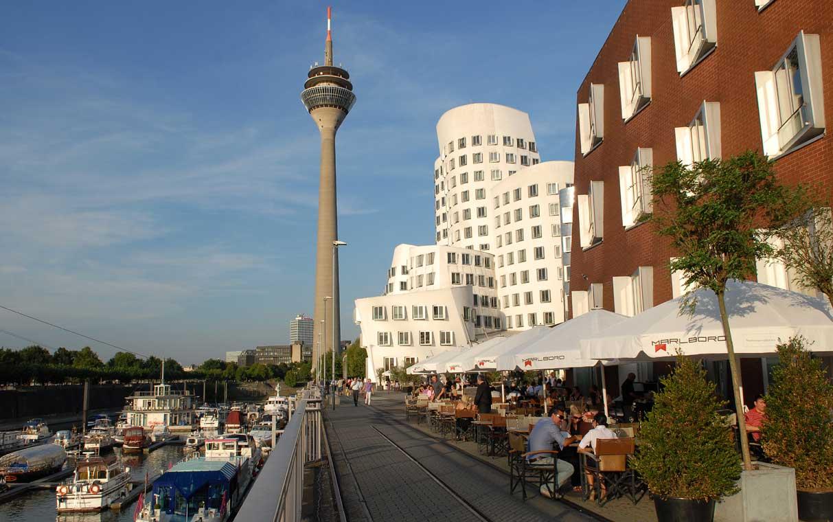 Dusseldorf MedienHafen - tentoonstellingen, muziek en theater