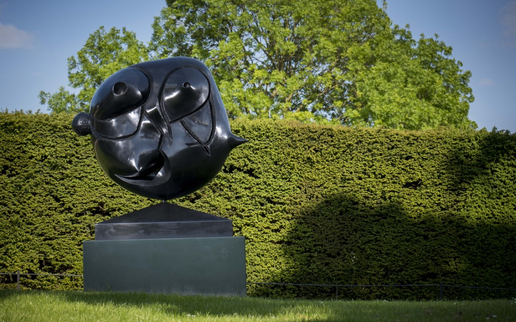 Joan Miró sculpturen tentoonstelling in Waldfrieden